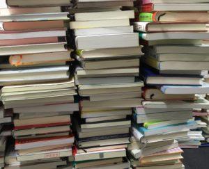 本の山、蔵書の山